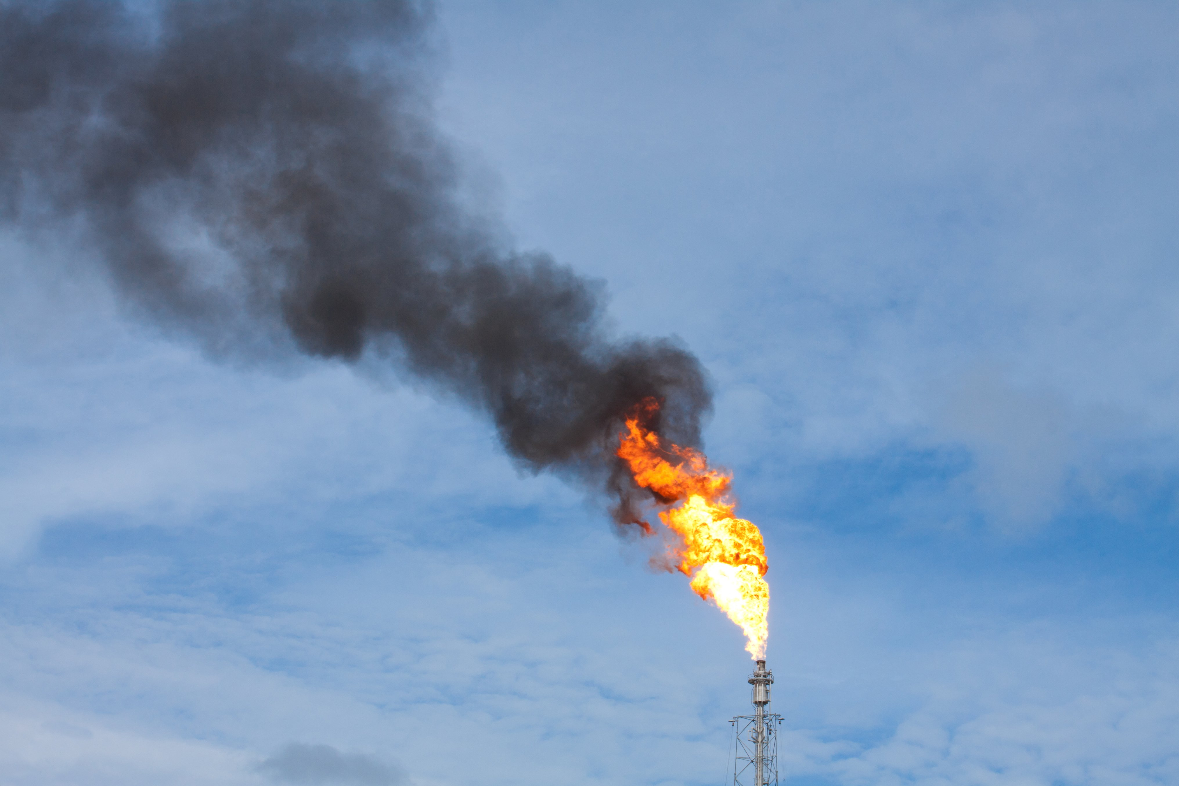 Turnaround Incident Causes Massive Flaring At Pbf Energy S